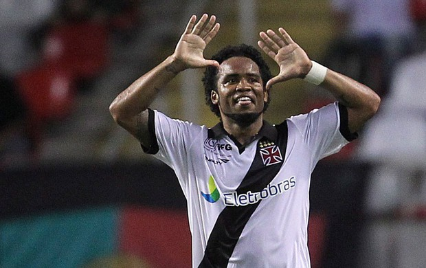 Carlos Alberto gol Vasco x Botafogo (Foto: Alexandre Cassiano / Agência O Globo)