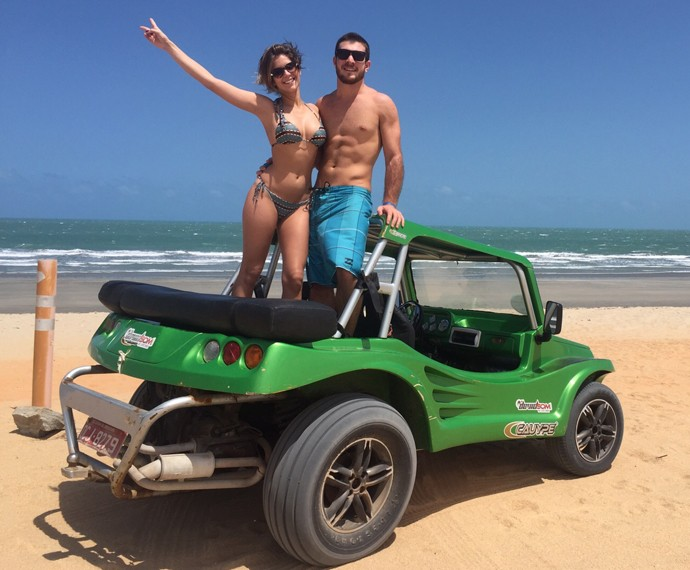 Isabella Santoni e Lucas Wakim aproveitam viagem ao Nordeste (Foto: Arquivo Pessoal)
