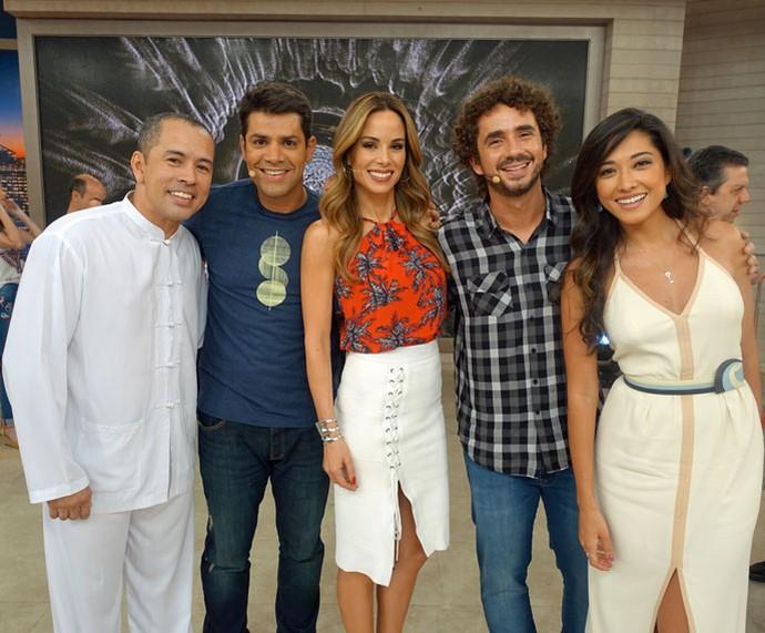 Edmilson Filho, Lair Rennó, Ana Furtado, Felipe Andreoli e Jacqueline Sato nos bastidores  (Foto: Juliana Hippert/Gshow)