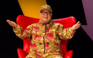 DJ Zé Pedro no episódio 'Ó nós aqui traves! O humor na TV'