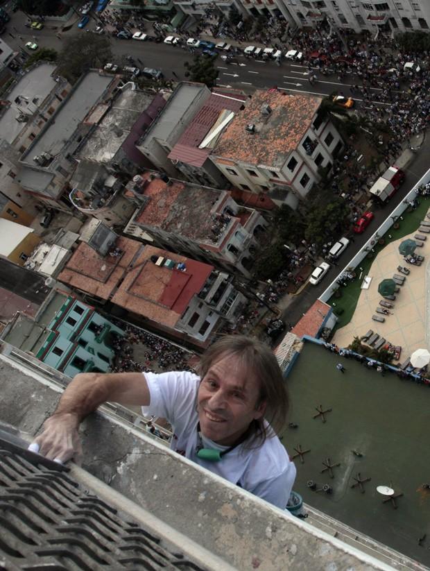 Alain Robert em Cuba (Foto: Reuters)