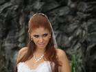 Ex-BBB Amanda Gontijo faz ensaio vestida de noiva