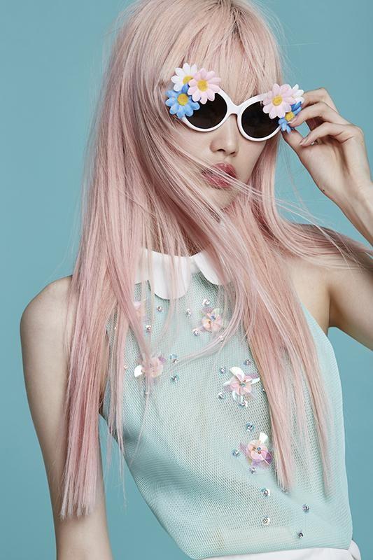 Óculos com flores na armação: um dos favoritos das brasileiras no Pinterest! (Foto: Reprodução/Pinterest)