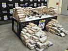 Meia tonelada de drogas, fuzil e pistolas são apreendidos no AM