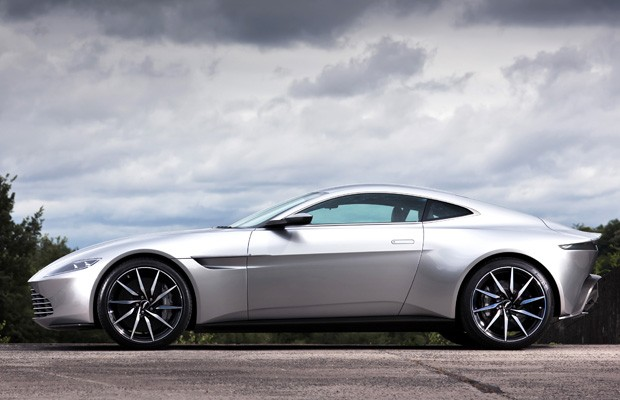 Aston Martin DB10 tem motor V8 de 4.7 litros (Foto: Divulgação)