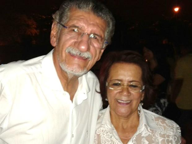 Herzem comemora vitória com a vice Irma Lemos (Foto: Edson Nunes/TV Sudoeste)