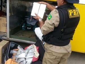 Droga foi apreendida pela PRF. (Foto: Divulgação/PRF)