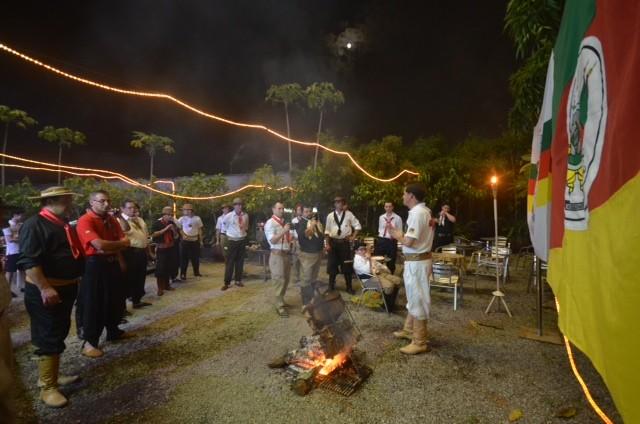 Gaúchos do PTG China Veia organizam churrascos do outro lado do mundo (Foto: PTG China Veia/Divulgação)