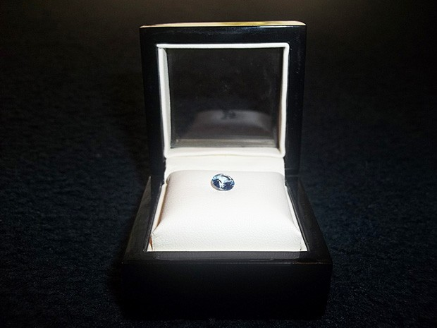 189ed637ebe Diamantes são feitos das cinzas de parentes e podem chegar a um quilate  (Foto