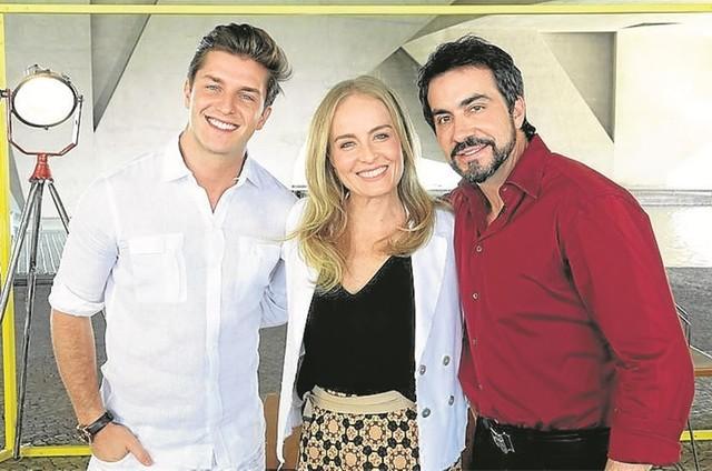 Klebber Toledo, Angélica e o Padre Fábio de Melo nos bastidores do 'Estrelas' (Foto: Deborah Montenegro)