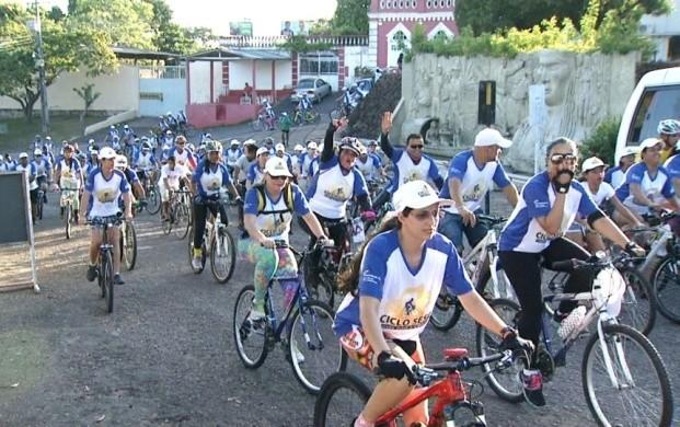 Ciclistas de Boa Vista fazem passeio nos pontos turísticos da cidade (Foto: Bom Dia Amazônia)