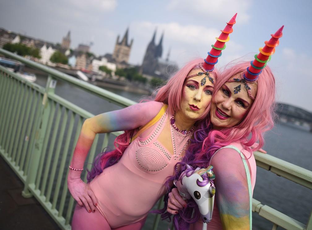 Casamento gay é comemorado neste domingo (9) em Colônia, na Alemanha (Foto: Henning Kaiser / dpa / AFP)