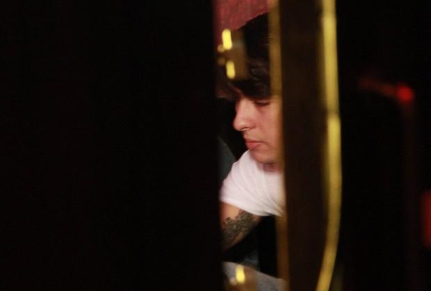 Suposto namorado de Anitta acompanha gravação de clipe da cantora no Rio (Foto: Isac Luz/ EGO)