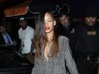 Rihanna troca o cabelo estilo 'Joãozinho' por longas madeixas