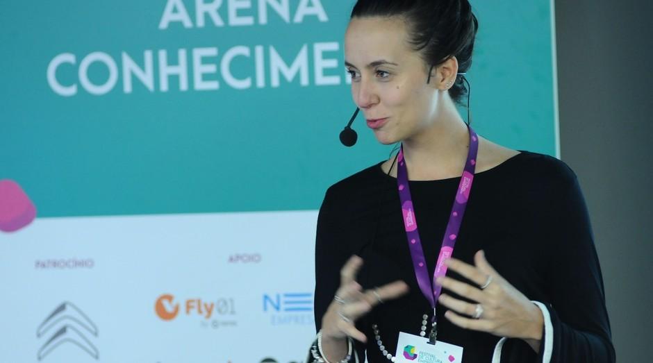 Camila Achutti durante o Festival de Cultura Empreendedora (Foto: Rafael Jota)