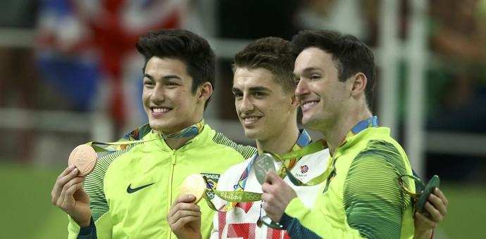 Max Whitlock fica com o ouro, seguido de Diego e Nory (Foto: Reuters)