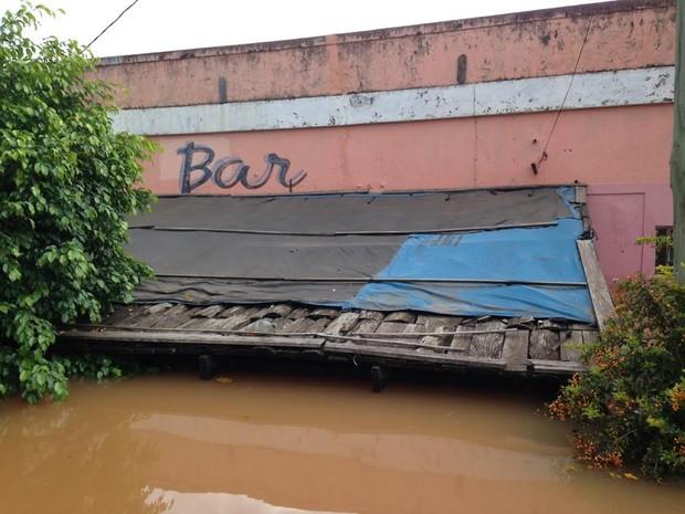 Itaqui fica abaixo da água por causa das últimas chuvas (Foto: Estêvão Pires / G1)