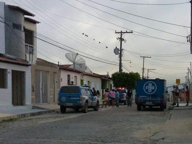 Homem foi morto a facadas enquanto dormia na cidade de Jaguarari, norte da Bahia (Foto: João Carvalho/ Portal Jaguarari)