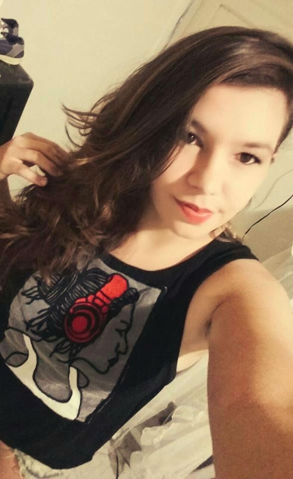 Itamara, de 22 anos, estava a caminho do trabalho quando aconteceu o acidente (Foto: Reprodução/Facebook)