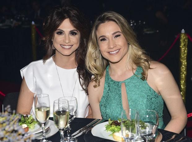O casal Fernanda Gentil e Priscina Montandon (Foto: Leo Franco/AgNews)