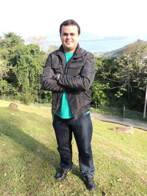Alisson é repórter da RBS TV desde maio de 2013 (Foto: Luísa Konescki/RBS TV)