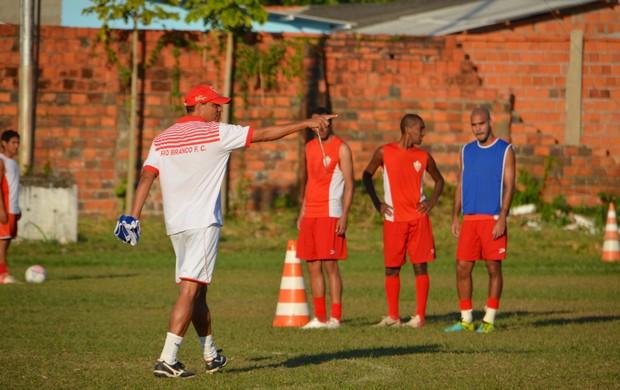 Rio Branco treina no estádio José de Melo (Foto: Wescley Camelo)