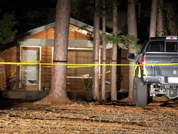 Casa onde a cantora country Mindy McCready foi encontrada morta neste domingo (17) (Foto: Jeannie Nuss/AP)
