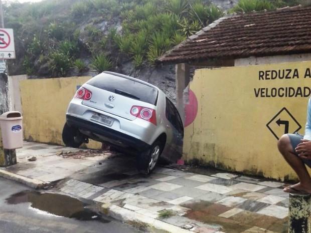 Acidente ocorreu na Praia do Morro (Foto: Divulgação/ Polícia Militar)