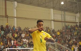 Garotada argentina dá trabalho, mas Brasil vence 1º amistoso, com 2 de Jé