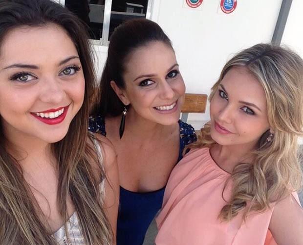 Polliana Aleixo, Aline Fanju e Louise durante as gravações da novela (Foto: Arquivo Pessoal)