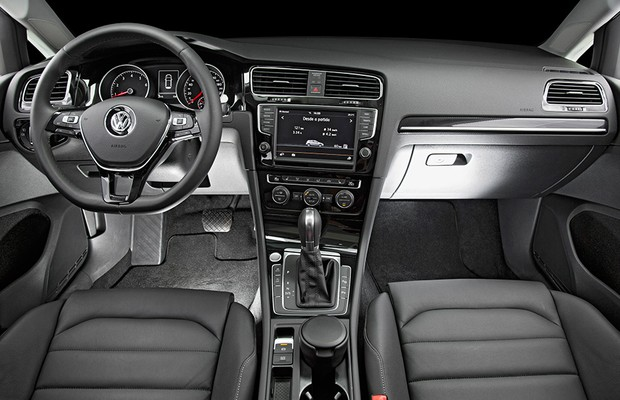 Interior Volkswagen Golf (Foto: Fabio Aro)