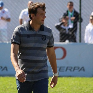 Ricardo Costa, técnico da Portuguesa Santista (Foto: Douglas Teixeira/Futebol Santista)