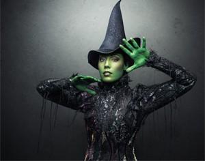 Como a bruxa Elphaba, de Wicked (Foto: Divulgação)
