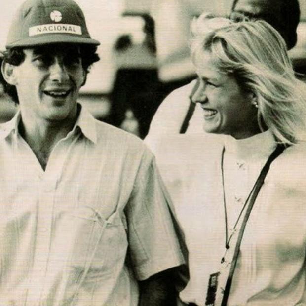 A produtora Maiz de Oliveira lembrou de Ayrton Senna com Xuxa: 'Saudades dele, saudades dele com ela, saudades das manhãs de domingo em que acordava com a TV do meu pai ligada para gente assistir ao Senna vencer. #gostinhodeinfancia' (Foto: Reprodução/Instagram)