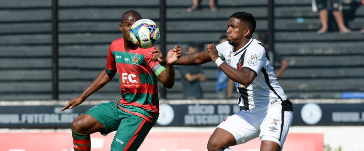 Vasco sofre, mas vence e se classifica, enquanto o já garantido Fluminense passeia (Agência Estado)