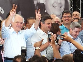 Pimenta da Veiga [à esquerda] é lançado como pré-candidato ao governo de Minas Gerais (Foto: Pedro Triginelli/G1)