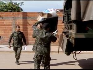 """Exército também participou do """"Dia D"""" (Foto: Reprodução/ Inter TV)"""
