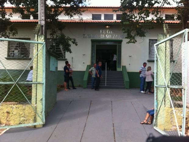 Cidade possui um único local de votação com cinco sessões eleitorais (Foto: André Bordim/ TV Tem)