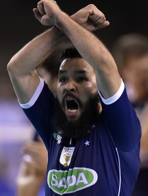 Willian; Cruzeiro (Foto: Douglas Magno / DM Press)