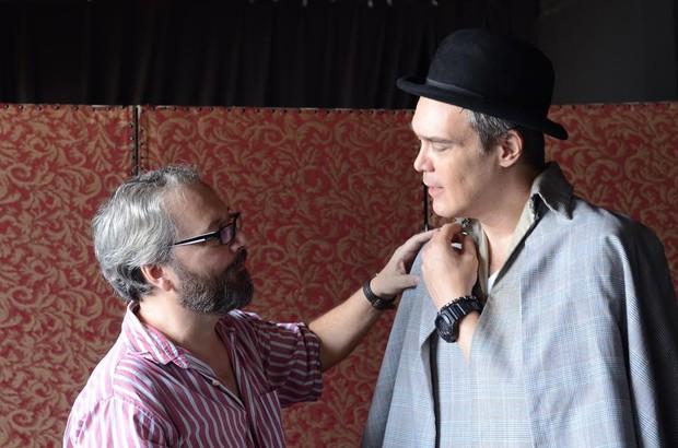 Dalton Vigh e o diretor do espetáculo Brian Penido Ross (Foto: Alan Foster)