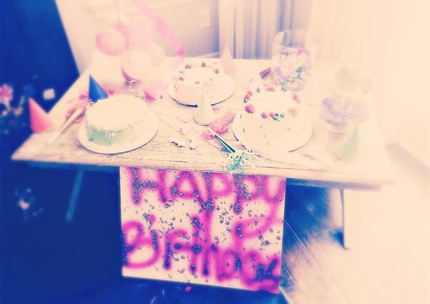 Os três bolos de aniversário de Suri Cruise (Foto: Instagram/Reprodução)