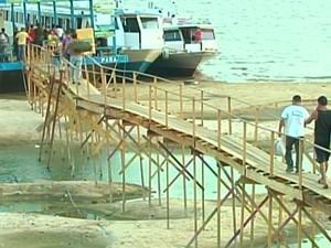 Porto improvisado em Santarém (Foto: Reprodução/TV Tapajós)