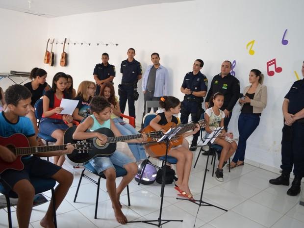 Alunos de música realizaram primeira apresentação em setembro (Foto: Rogério Aderbal/ G1)