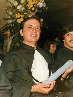 Professor Calixto durante a colação de grau da turma de 1981 (Foto: Arquivo Pessoal/ Calixto Silva Neto)