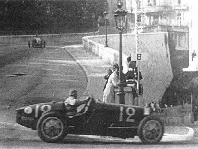 Disputando o GP de Mônaco com uma Bugatti, William Grover-Williams foi o primeiro vencedor da prova (Foto: Reprodução / Twitter)