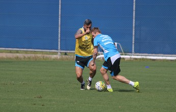 Sem Edílson, Grêmio tenta retomar rotina e faz atividade descontraída