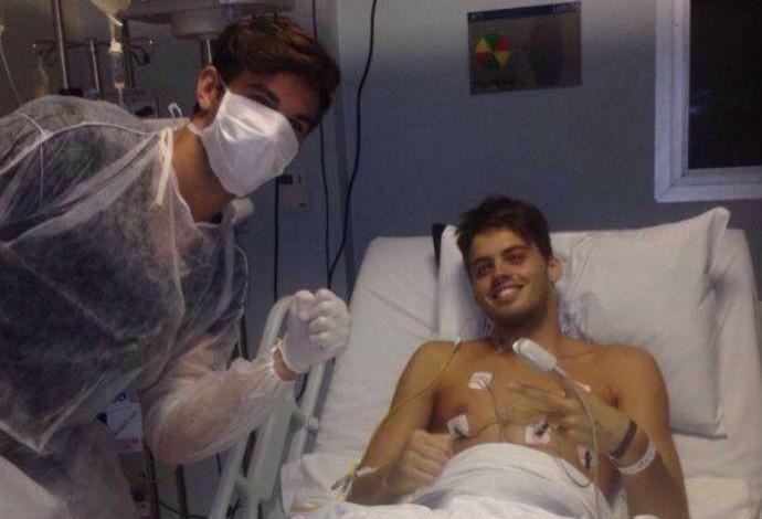 Leonardo Coutinho e o irmão, possível doador de medula (Foto: Arquivo pessoal)