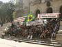 JT1: Protesto de caminhoneiros para o trânsito na entrada de Santos