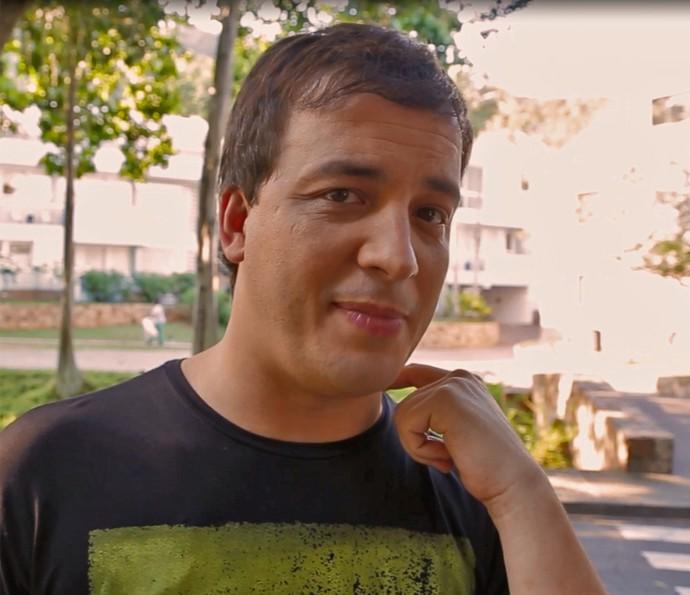 Rafael Cortez passa por teste de conhecimentos sobre a TV Globo (Foto: Gshow)