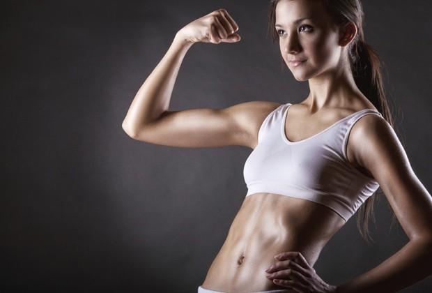 """""""Esse corpo musculoso sem nenhuma gordura a mais expressa a vontade que todo mundo tem de um absoluto controle sobre si"""", diz historiadora sobre padrão atual de beleza (Foto: Think Stock)"""